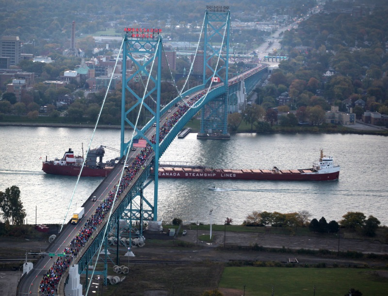 Runners on the Ambassador Bridge